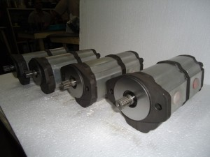 Aluminum multiple gear pumps